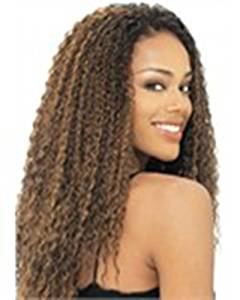 MODEL EQUAL SYN BRAZILIAN CURL WAVE